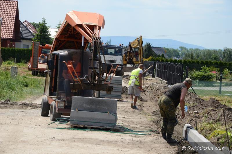 Żarów: Trwa budowa ścieżki rowerowej