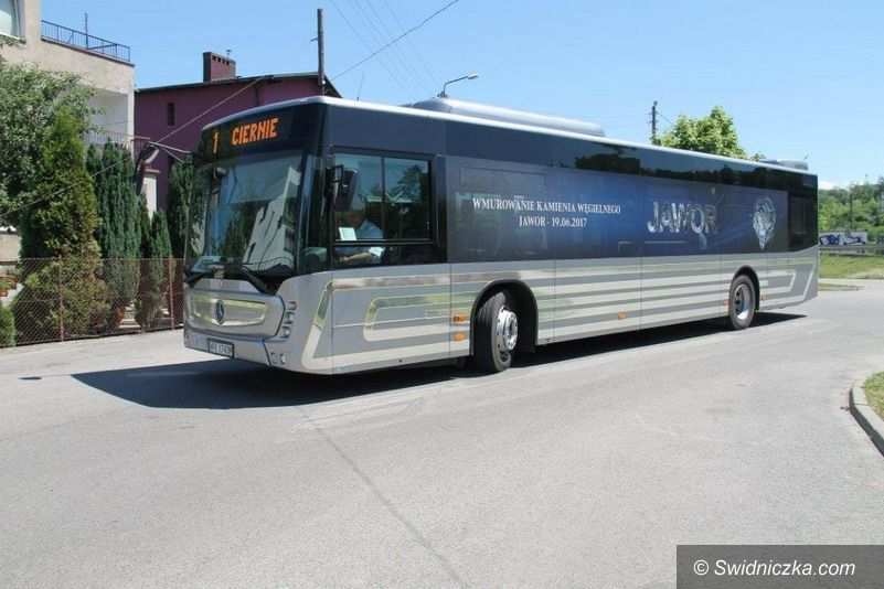 Świebodzice: Świebodzice z nowym autobusem