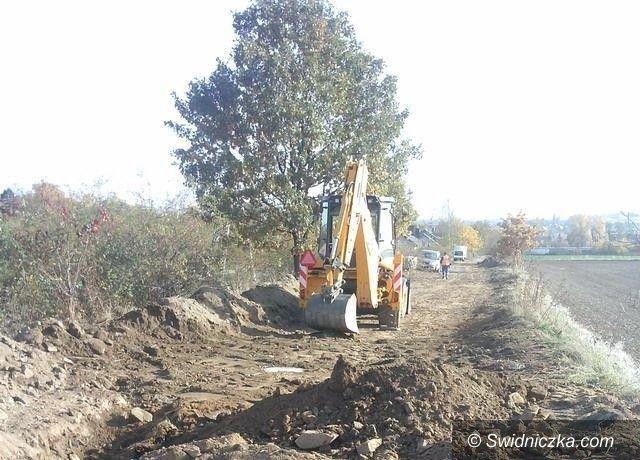Bartoszówek: II etap kanalizacji Bartoszówku