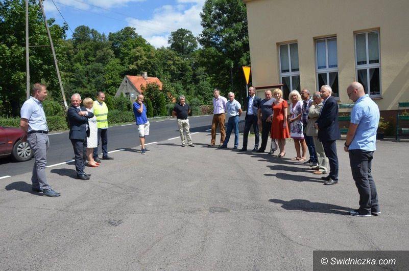 powiat świdnicki: Droga Bystrzyca Górna – Lubachów odebrana