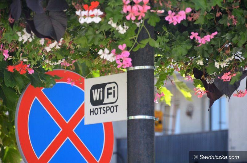 Strzegom: Darmowe hot–spoty na terenie Rynku i OSiR–u w Strzegomiu