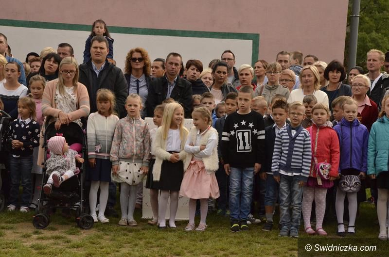 Żarów: Uczniowie rozpoczęli nowy rok szkolny