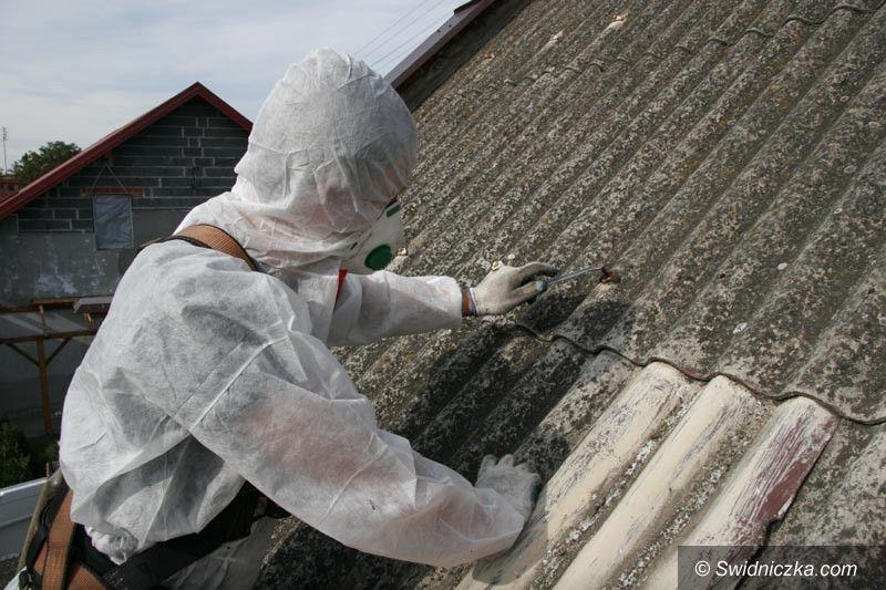 Gmina Dobromierz: Azbestu coraz mniej
