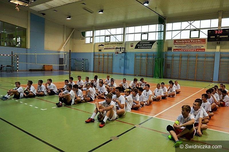 """Strzegom: Turniej szkół podstawowych """"Siatkarski Dolny Śląsk"""" w Strzegomiu"""