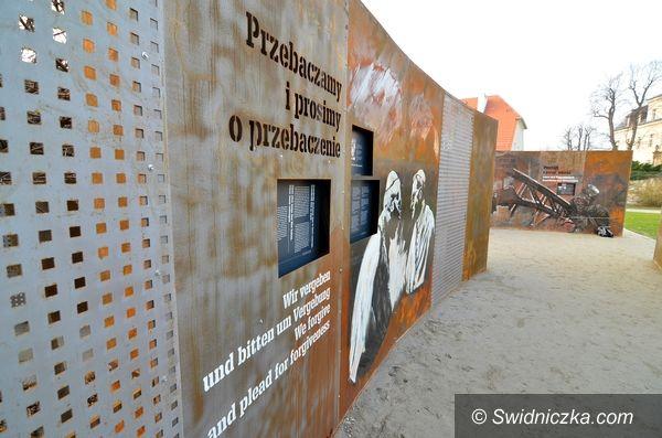 """Krzyżowa: """"Pojednanie i pamięć"""" – seminarium dla studentów i wolontariuszy  z Polski, Niemiec i Bałkanów Zachodnich"""