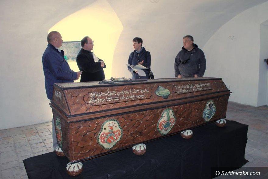 Świebodzice: Bezcenny sarkofag odnowiony