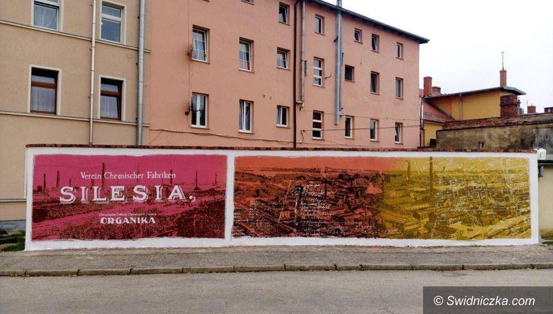 Żarów: Ozdobny mural w Żarowie