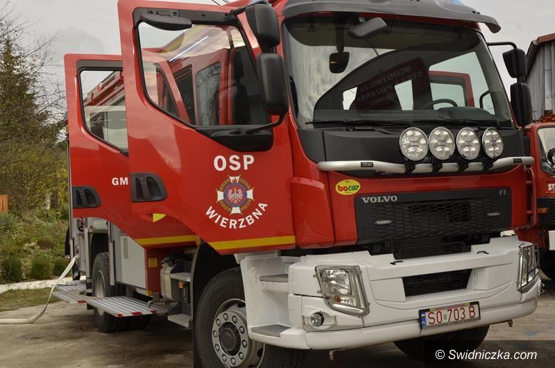 Wierzbna: Strażacy z OSP Wierzbna dostali nowy samochód