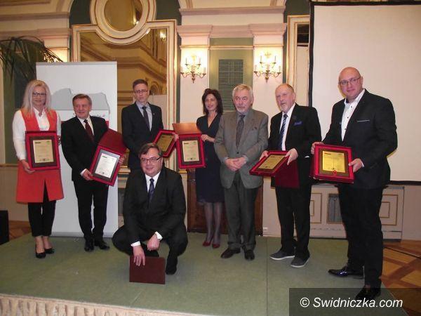 Świdnica: Nagroda samorządowa im. Norberta Barlickiego przyznana dla Świdnicy