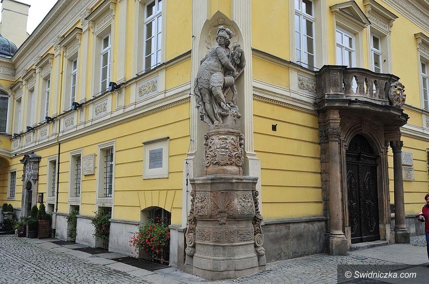 Świdnica: Odrestaurowano Kolumnę Świętej Trójcy i rzeźbę świętego Floriana w Świdnicy