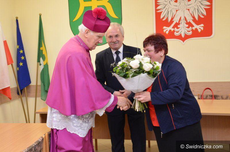 Marcinowice: Wizyta Biskupa Świdnickiego w Urzędzie Gminy w Marcinowicach