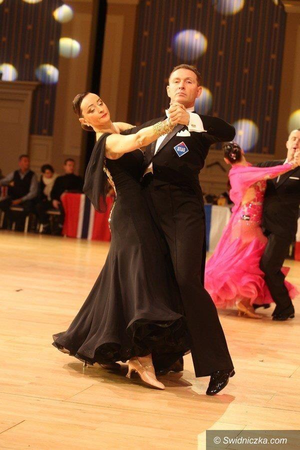 Świdnica: Anna i Tomasz Wojasowie ze Świdnicy na Mistrzostwa Świata w Tańcu Towarzyskim w roku 2017 w Paryżu