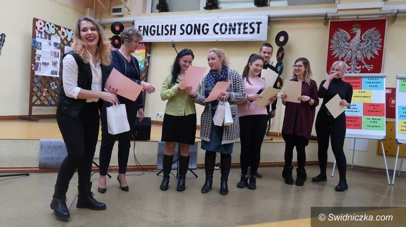 Świdnica/powiat świdnicki: Uczennice Zespołu Szkół w Strzegomiu nagrodzone na Festiwalu Piosenki Anglojęzycznej