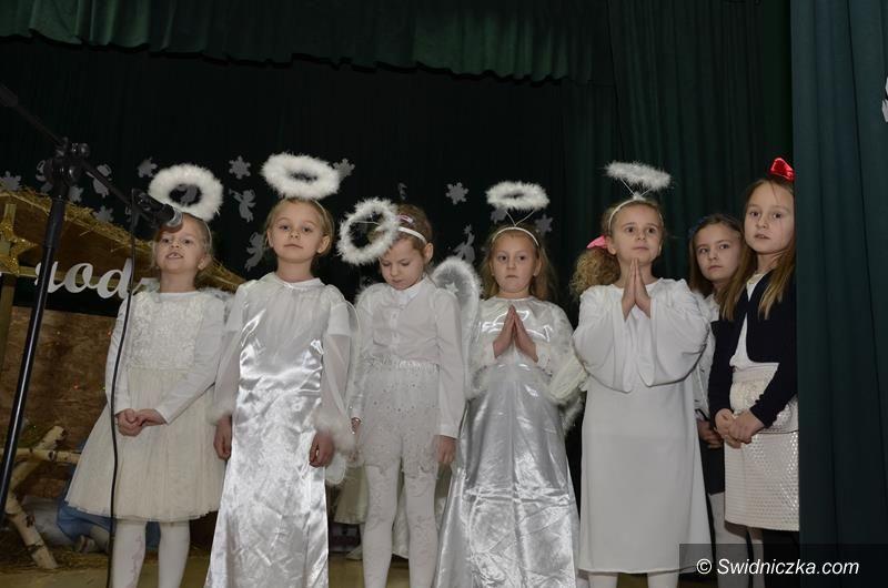 Żarów: Jasełka w wykonaniu uczniów z SP Żarów