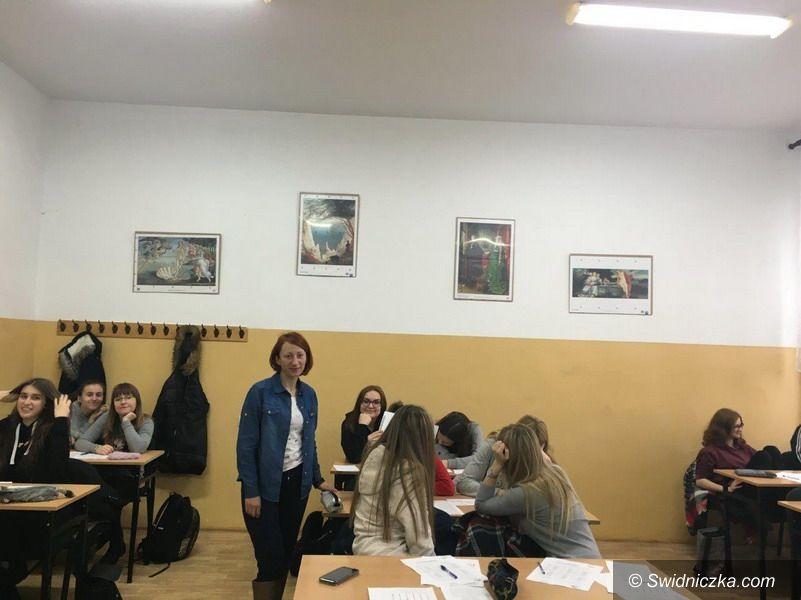 Strzegom: Warsztaty z doradcą zawodowym z Mobilnego Centrum Informacji Zawodowej z Wałbrzycha w Zespole Szkół w Strzegomiu