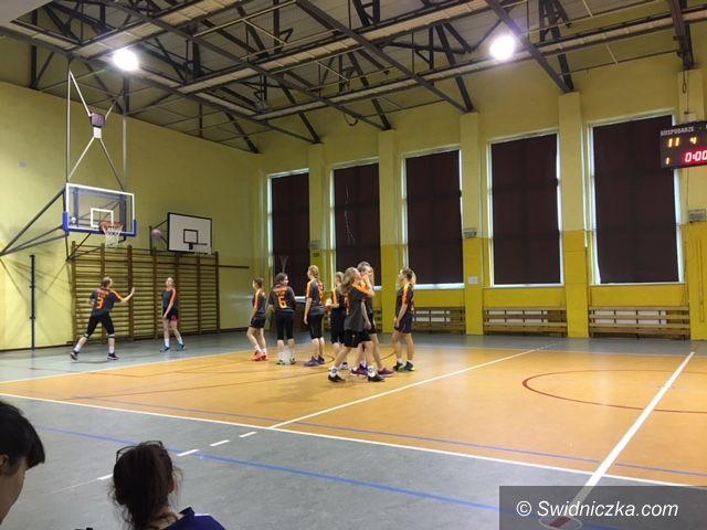 REGION: Koszykówka na niezłym poziomie