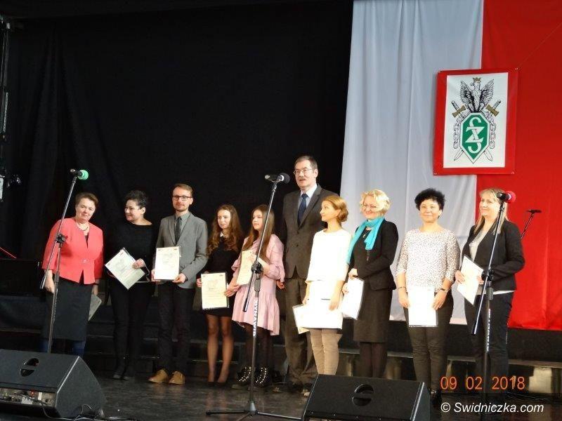 Strzegom: Licealistka nagrodzona w konkursie recytatorskim