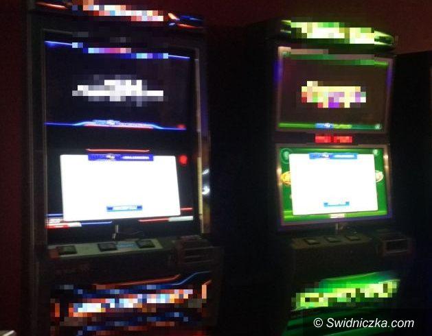 Świdnica: Funkcjonariusze zabezpieczyli nielegalne automaty do gier