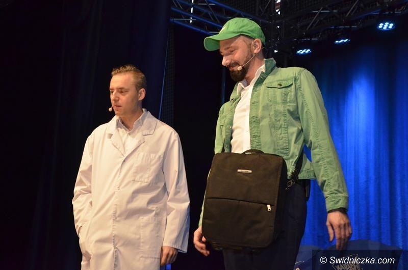 Żarów: Kabaret Młodych Panów rozbawił żarowską publiczność