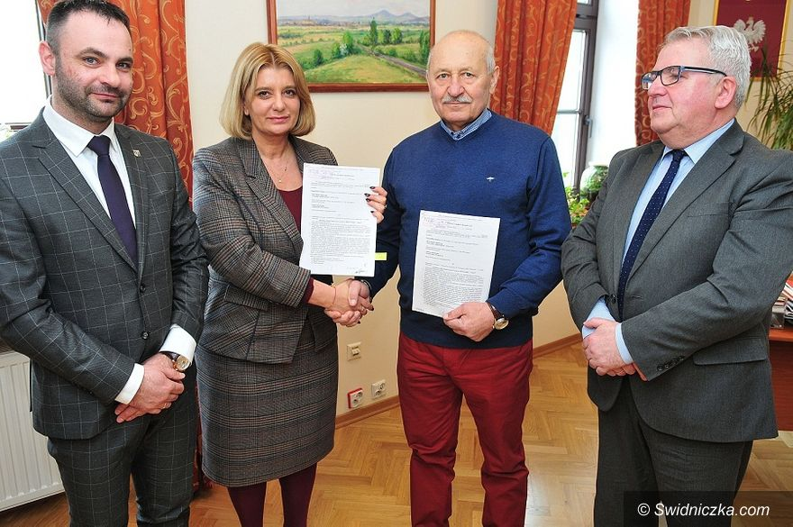 Świdnica: Szkoła Podstawowa na Zawiszowie ponownie w rozbudowie