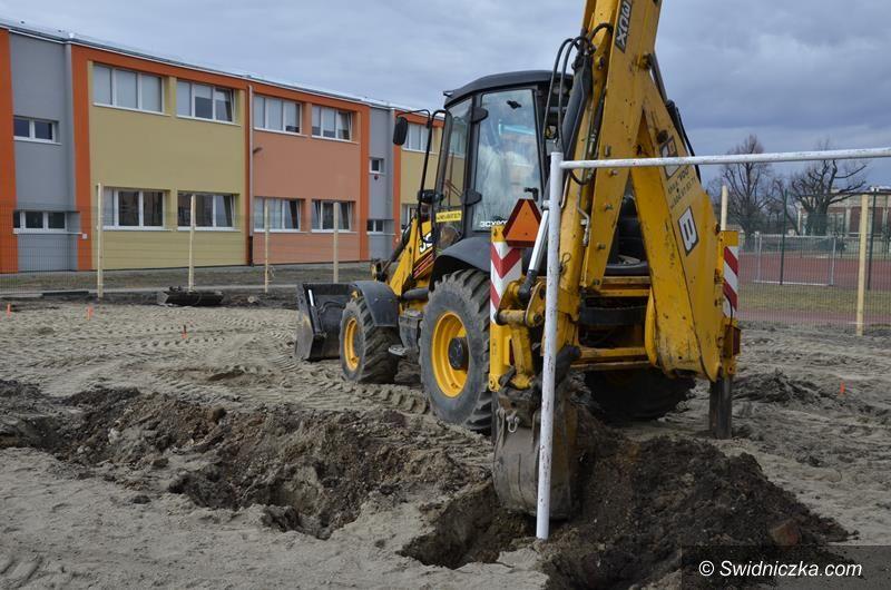 Żarów: Ruszyła budowa pętli postojowej przy SP Żarów