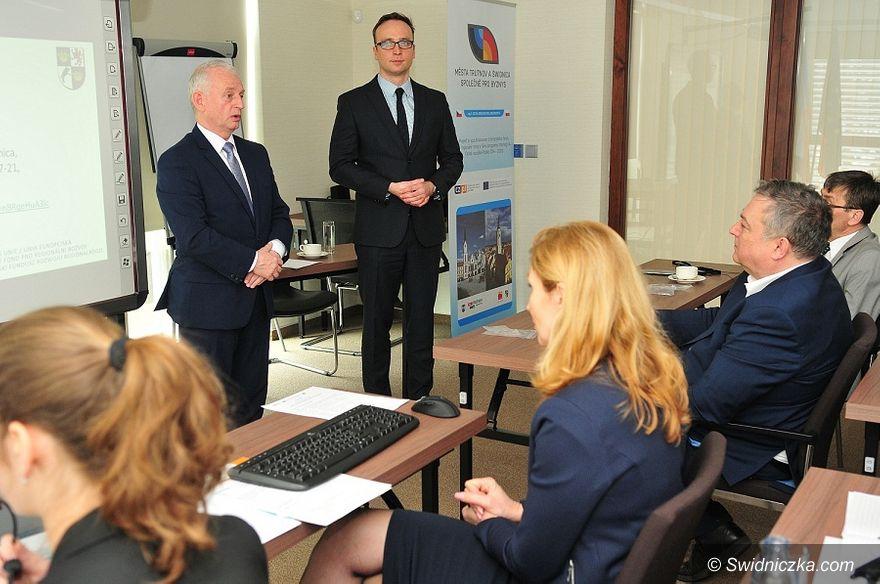 """Świdnica: Konferencja """"Miasta Trutnov i Świdnica razem dla biznesu"""""""
