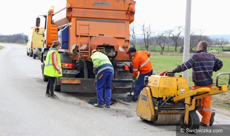 Czernica: Remont drogi powiatowej w Czernicy