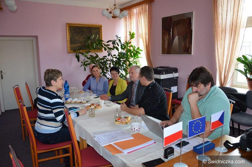 Marcinowice: Sąsiedzi nie tylko na mapie