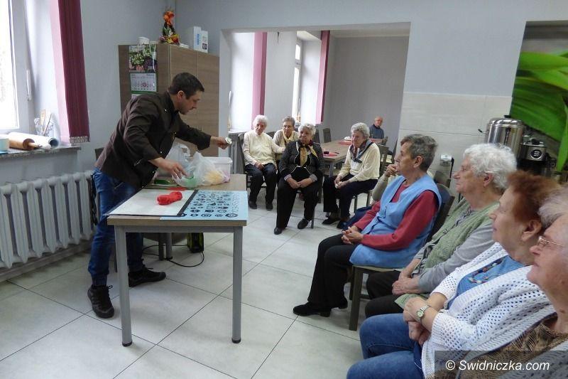 Strzegom: Warsztaty cukiernicze dla seniorów