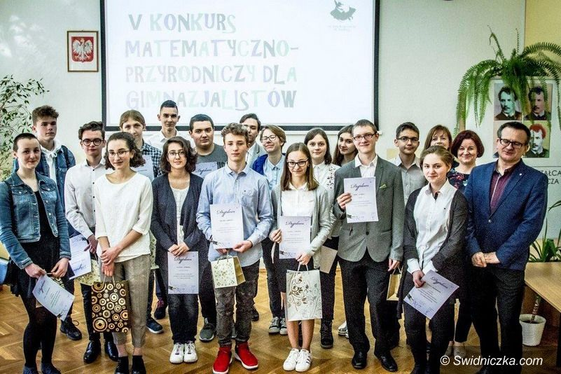 Świdnica: Finał V Powiatowego Konkursu Matematyczno–Przyrodniczego dla Gimnazjalistów