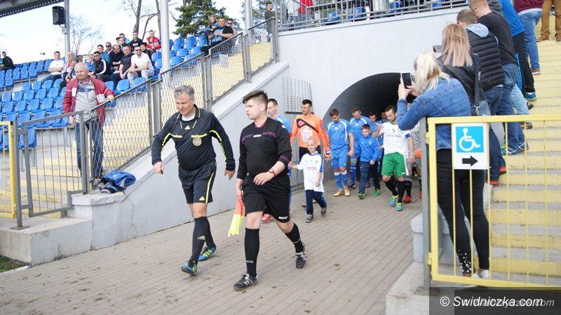 Wałbrzych: IV liga piłkarska (grupa wschodnia): Fojna triumfuje