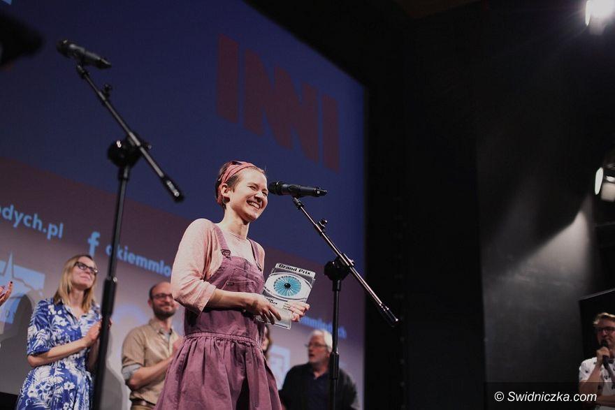 """Świdnica: Jedenasta edycja Międzynarodowego Festiwalu Filmów Dokumentalnych """"Okiem Młodych"""" w Świdnicy dobiegła końca"""