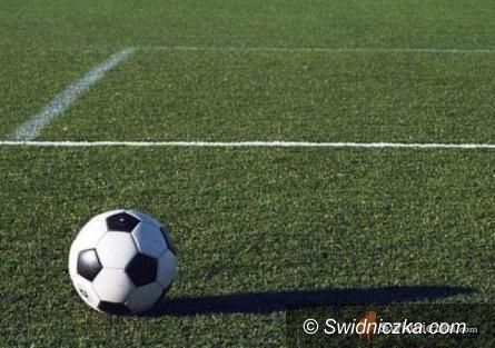 REGION: Piłkarska klasa B: Zaskakujące wyniki w Łażanach i Dobromierzu