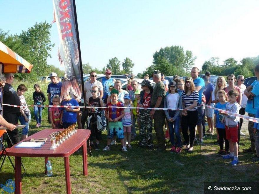 Rusko: Łowili ryby na zbiorniku w Rusku