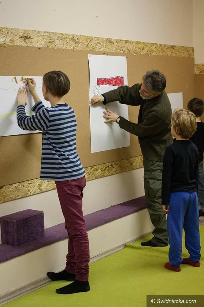 Świdnica: Wernisaż prac wychowanków Jacka Sikory już w środę