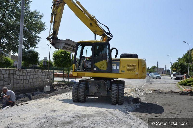 Żarów: Ulica Dworcowa w remoncie
