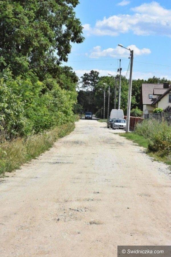 Słotwina: Remontują kolejną drogę do gruntów rolnych