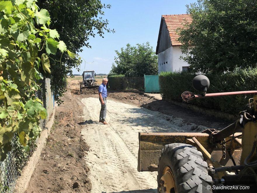 Sady/Tworzyjanów: Trwają prace w Sadach i Tworzyjanowie