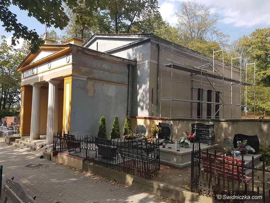Świebodzice: Remont kaplicy