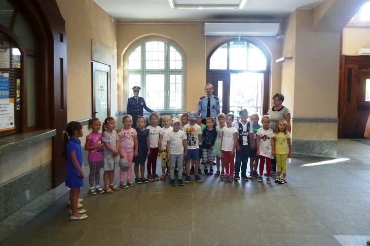 Świdnica: Z przedszkolakami o znakach drogowych