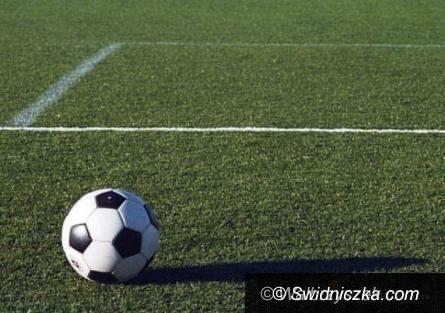 REGION: Piłkarska klasa A (grupa II): W meczu na szczycie lepsze rezerwy Bielawianki