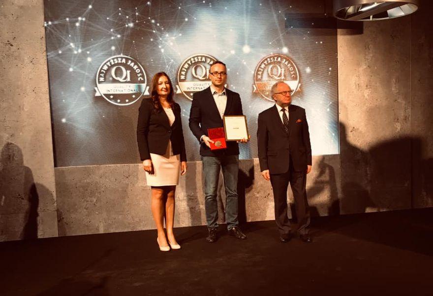 Świdnica: Złote godło Najwyższej Jakość Quality International dla Świdnicy