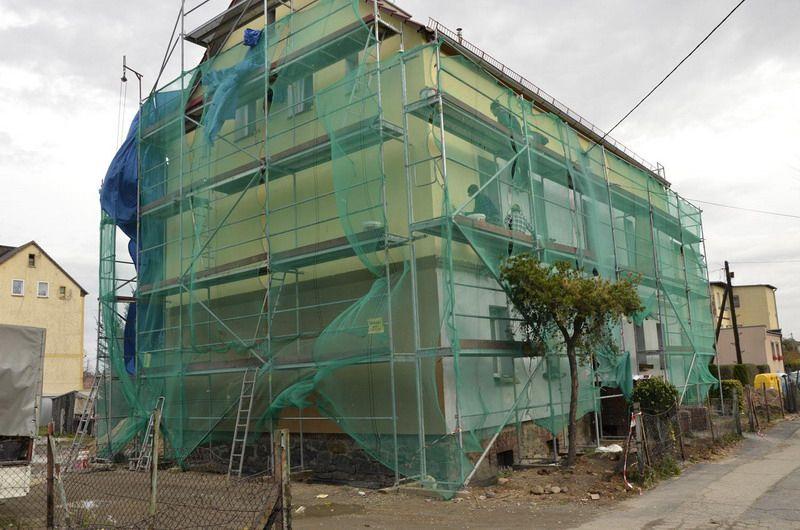 Żarów: Trwa remont kolejnych budynków w ramach rewitalizacji miasta