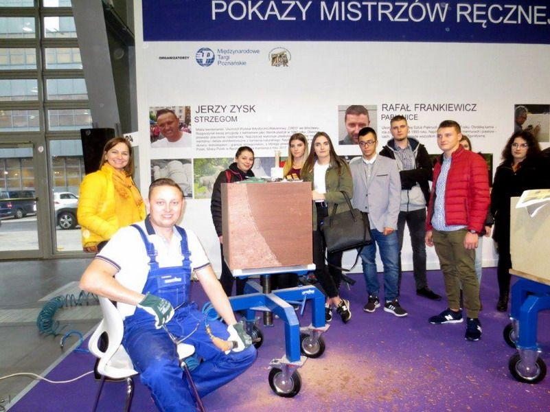 """Strzegom: """"Górnicy"""" z Zespołu Szkół w Strzegomiu na Międzynarodowych Targach Poznańskich STONE 2018"""