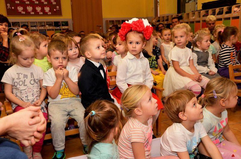 Żarów: I Przegląd Patriotyczny w Bajkowym Przedszkolu
