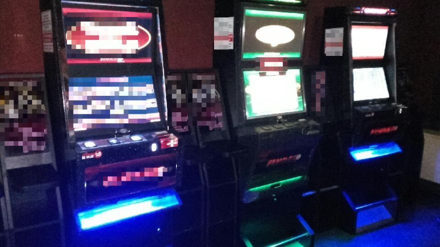 Świebodzice: Zabezpieczyli kolejne nielegalne automaty do gier