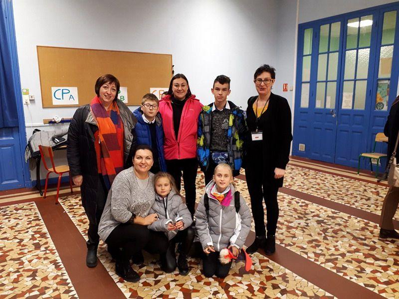 Jaroszów: Bonjour, czyli Zespół Szkolno – Przedszkolny w Paryżu