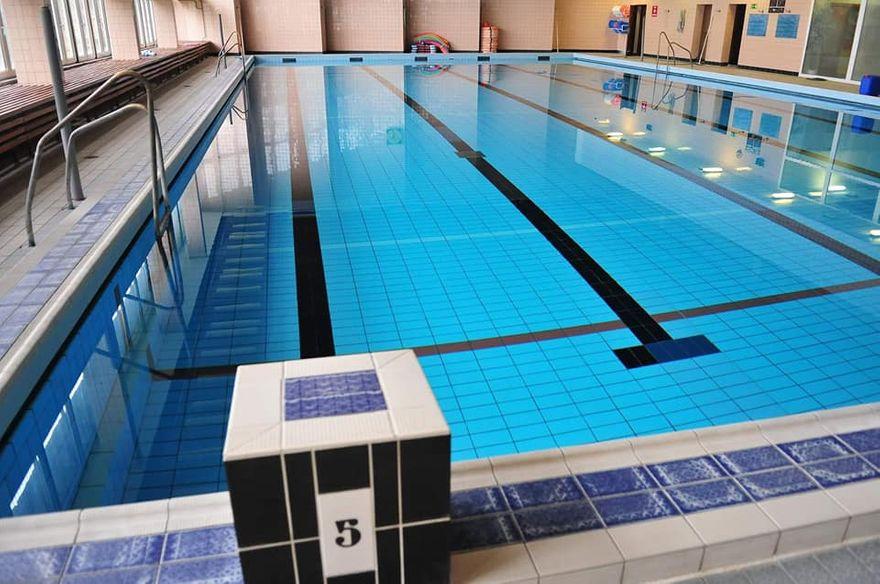 Świdnica: Czystsza woda w basenie Szkoły Podstawowej nr 4