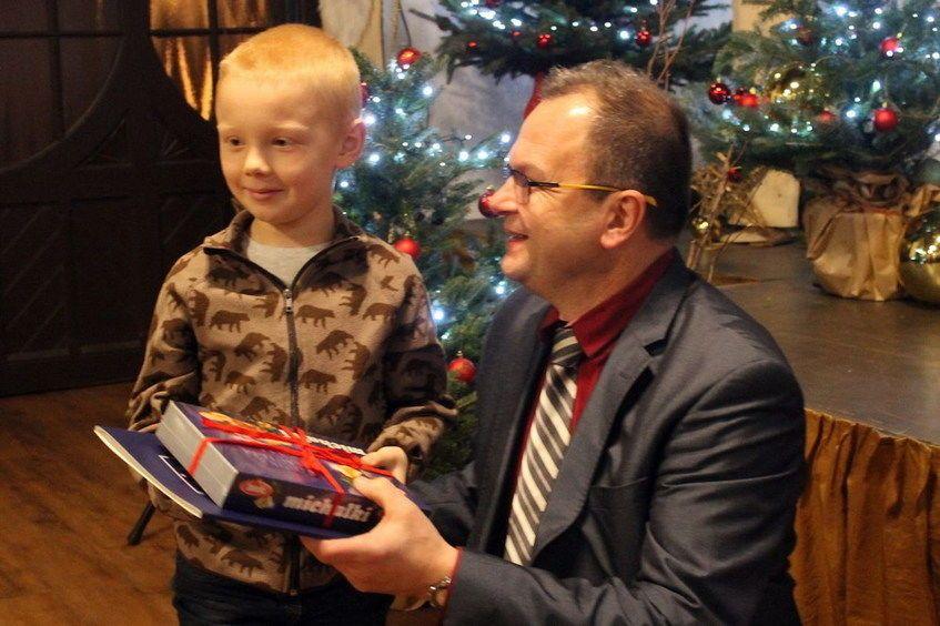 Świebodzice: Laureaci kartek świątecznych nagrodzeni