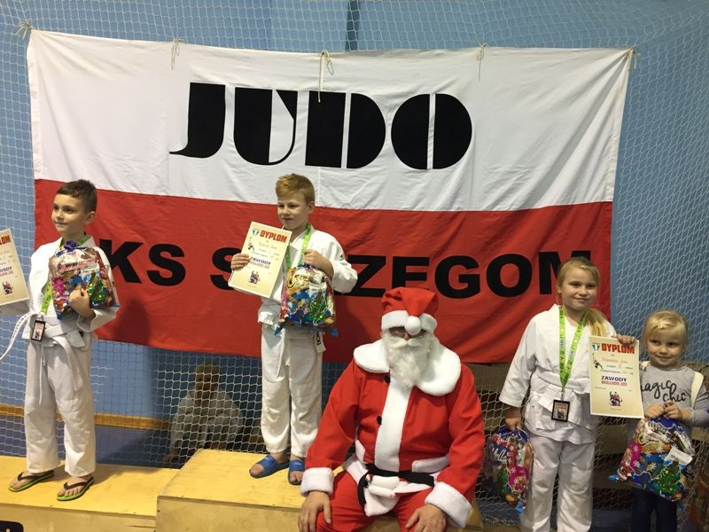 Strzegom: Zawody Mikołajkowe w sekcji judo AKS–u Strzegom